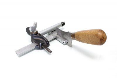 coltello guidato taglia strisce